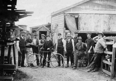 Staff, Craig & Co, 1907.
