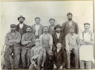 Group photo unidentified men; P0027.12.4
