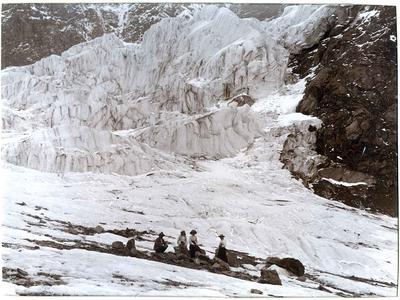 Unidentified people, mountain scene; P0027.12.23
