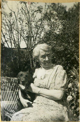 Unidentified woman with dog; 2014/45.01.021