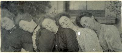 Five women in a garden; 2014/45.01.023