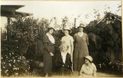 Five women in a garden; 2014/45.01.105