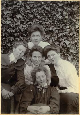 Five women in a garden; 2014/45.01.110