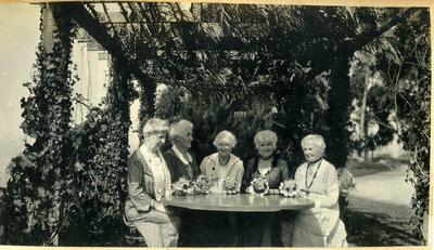 Five women in a garden; 2014/45.01.120