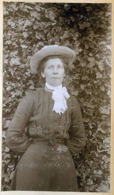 Unidentified woman in a garden; 2014/45.01.160