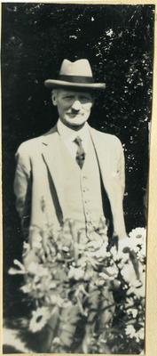 Man in the garden, 4 Charlotte Street; 2014/45.01.173