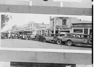 Part of panorama 545-546, Hunter's Motors, known as D O T Motors