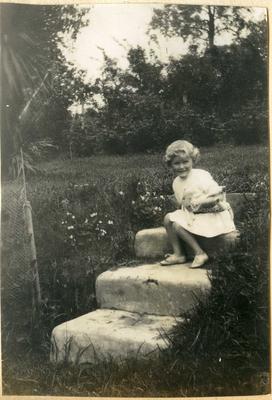 Girl in a garden; 2014/45.01.232