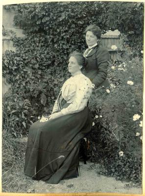 Two women in a garden; 2014/45.01.249