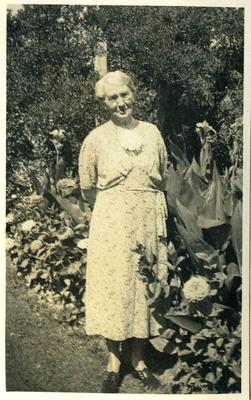 Woman in a garden; 2014/45.01.250