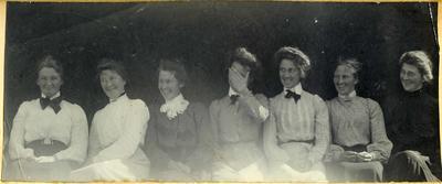 Seven women in a garden; 2014/45.01.252