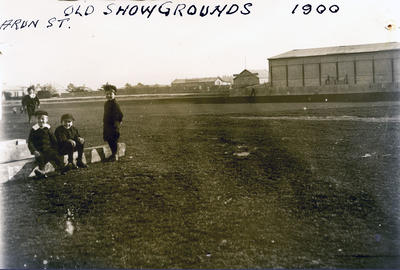 Children at Arun Street Showgrounds