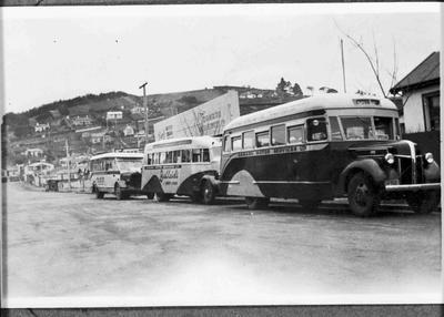 Oamaru Motor Services Ltd buses at Exe Street depot, c. 1940s