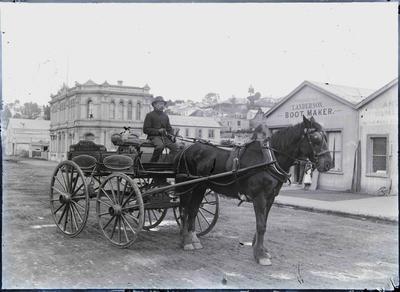 Millen's Express cart and driver, Tyne street, c.1890s.