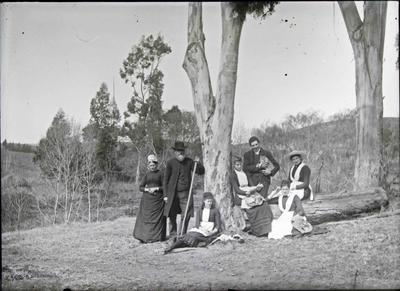 Reverend Algernon Gifford and family