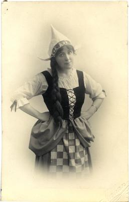 "Mrs John Fraser in Oamaru Amateur Operatic Society production of ""Les cloches de Corneville"".; Mahan, R; 2014/43.1.47"