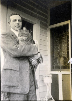 Alfred  Leslie with cat