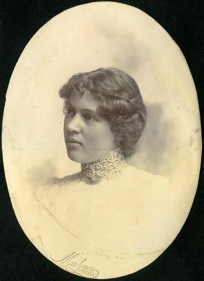 Woman's portrait, unidentified; Mahan, R; 2014/43.1.76