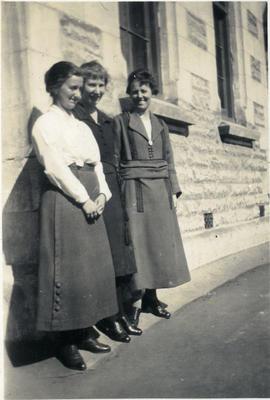 Three women, unidentified; 2014/43.1.86
