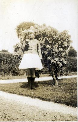 Girl in a garden; 2014/43.1.91