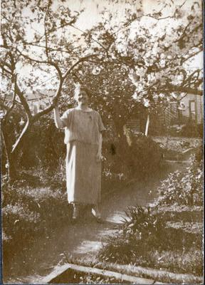 Woman in a garden; 2014/43.1.92