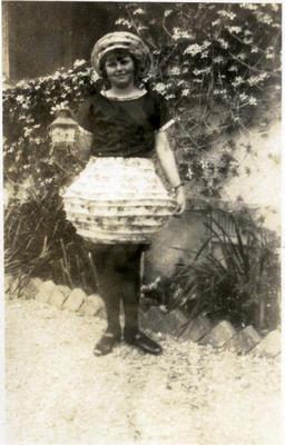 Girl in costume; 2014/43.1.104