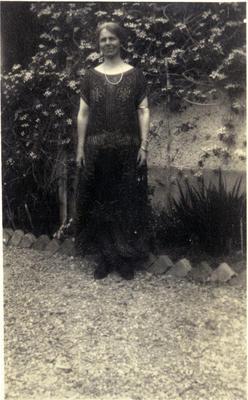 Woman in a garden; 2014/43.1.107