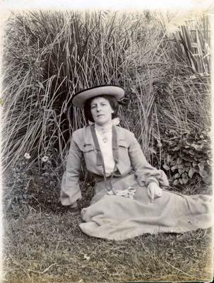 Woman in a garden; 2014/43.2.62