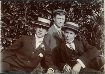 Alfred Leslie, D Brown and friend.; 2014/43.2.73