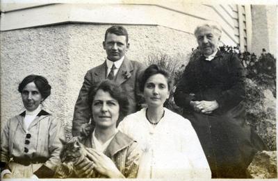 Armes family in a garden