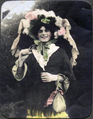 Alfred Leslie in costume; 2014/43.2.90