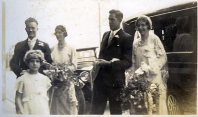 Wedding photo, unidentified. Rosalie Leslie - flower girl.; 2014/43.2.136