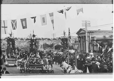 Peace Celebrations Oamaru. 1918, Thames St.