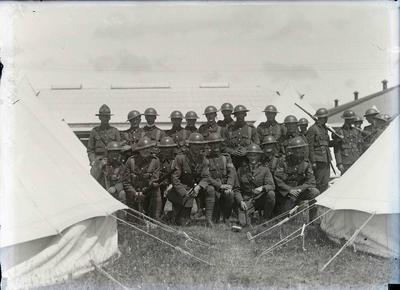 Unidentified soldiers. Southland  Rifles