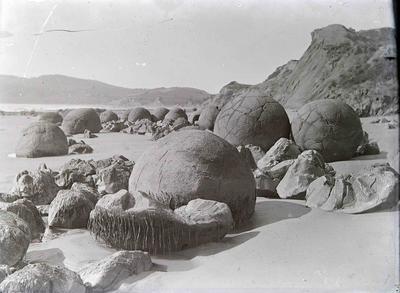 Moeraki Boulders, North Otago