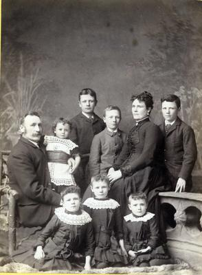 Unidentified family with seven children