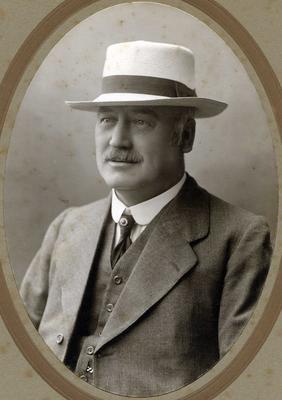 (Henry) Thomas Edward Gill