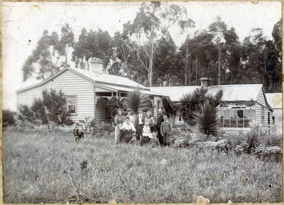 Mitchell family at Kakanui