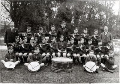 Oamaru North School fife and drum band