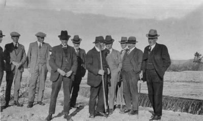Council at Water Race. Owen, Mckenzie, Deal, Grenfell, D Fraser, Forrester, Fox, Crombie [?], McDiarmid