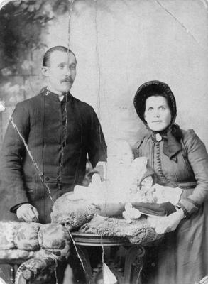 Jonas and Mary Ann (nee Yeoman) Oberg and son Harold, Livingstone