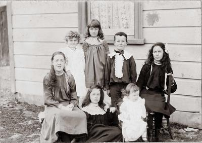 Group photo of unidentified children.; Fred Smith; P0070.41