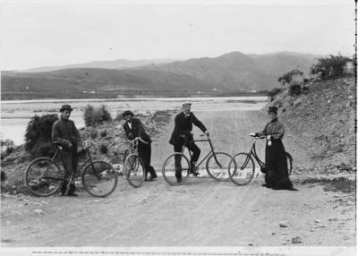 Cycling group taken on road past Kurow c. 1905.