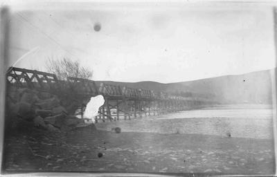 Bridge over Waitaki River at Kurow, September 1920.; 877P