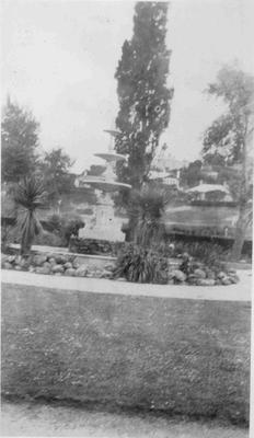 Oamaru Public Gardens; 878P