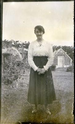"Daisy Herd (teacher, Kokoamo School) at ""Armidale"" 1920.; 880P"