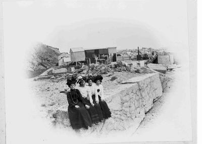 Bulleids Shop Girls at Breakwater 1902.