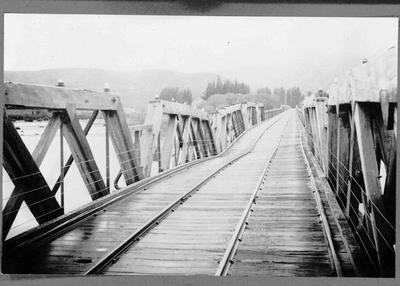 Hakataramea bridge, North Otago