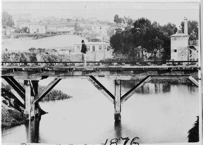 Railway bridge over Oamaru Creek