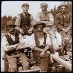 Workers at Elderslie Estate. Unidentified